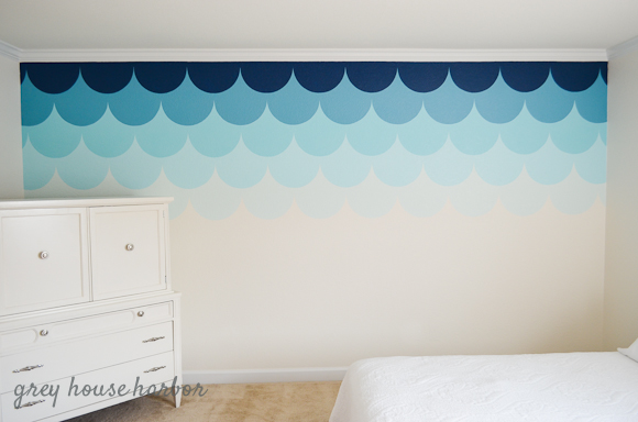 ombre scallop wall a tutorial grey house harbor. Black Bedroom Furniture Sets. Home Design Ideas